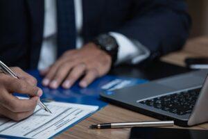 contrat en droit